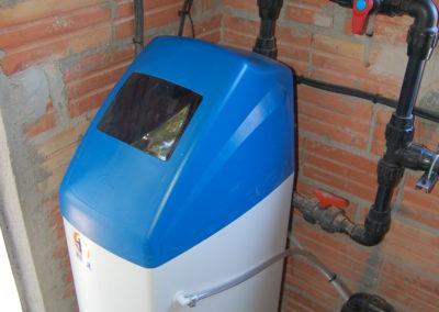 Instal·lació descalcificador d'aigua i osmosis